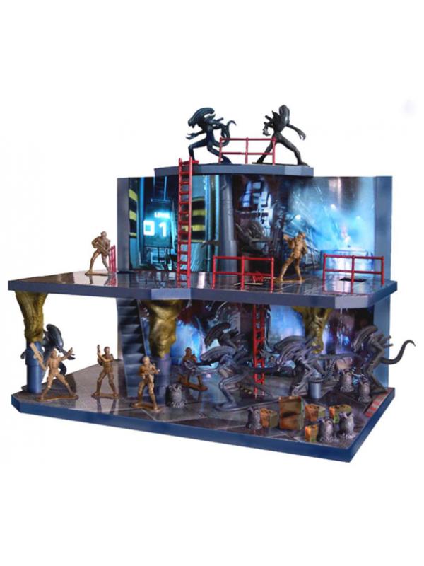 Aliens Deluxe Playset - Tree House Kids