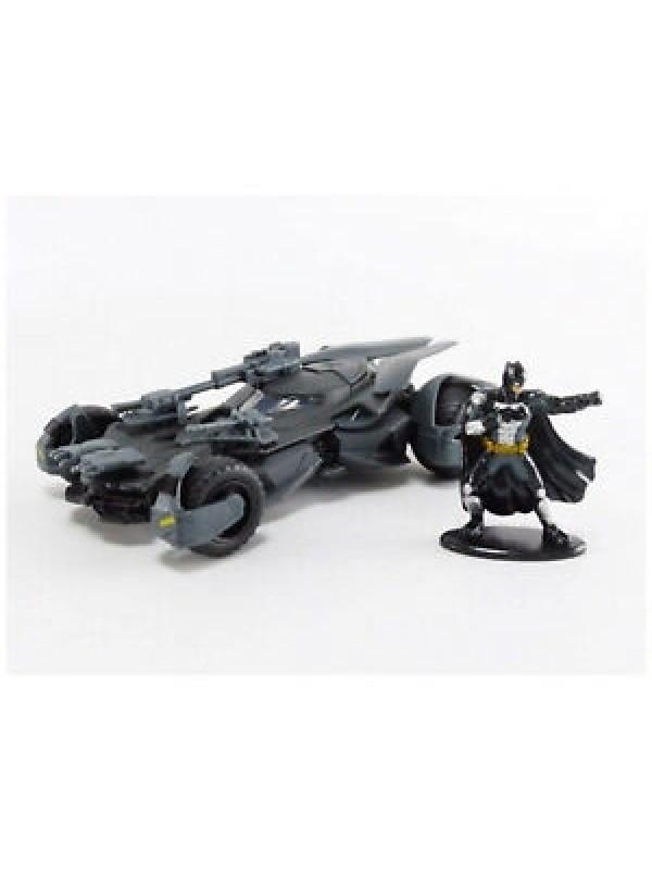 Justice League - 1:32 Scale - Batmobile & Batman - Metals Die Cast - Hollywood Rides